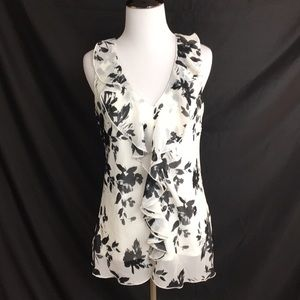IZ Byer black/white ruffled top size M